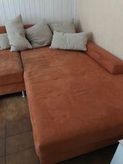 Sofa Couch mit Kissen
