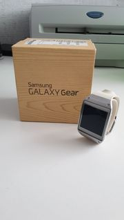 Samsung Gear V700 Smartwatch