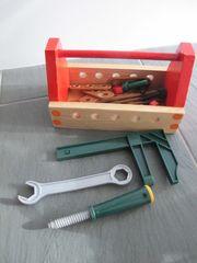 Werkzeugkasten aus Holz mit Zubehör