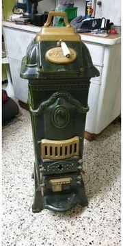 Wunderschöner alter Ofen von Zeus