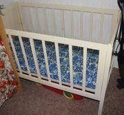 Hölzernes weißes Kinderbett Abholung bis