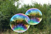 Seifenblasen-Riesenseifenblasen Show für Hochzeiten Feiern