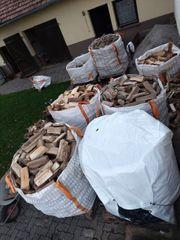 Brennholz Kaminholz Feuerholz Ofenholz Holz