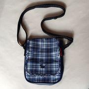 Neuwertig Umhänge-Tasche Umhänge-beutel blau-weiß-kariert Umhängetasche