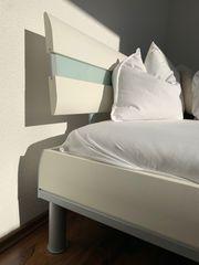 Doppelbett mit Lattenroste