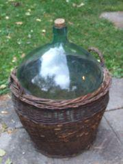 Glasballon mit Korb