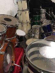 Einige Schlagzeuge