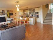 Sanierte 5 5-Zimmer-Wohnung mit Balkon