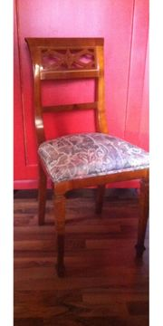 Stuhl gepolstert