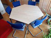 Konferenzecke 2 Tische 5 Stühle