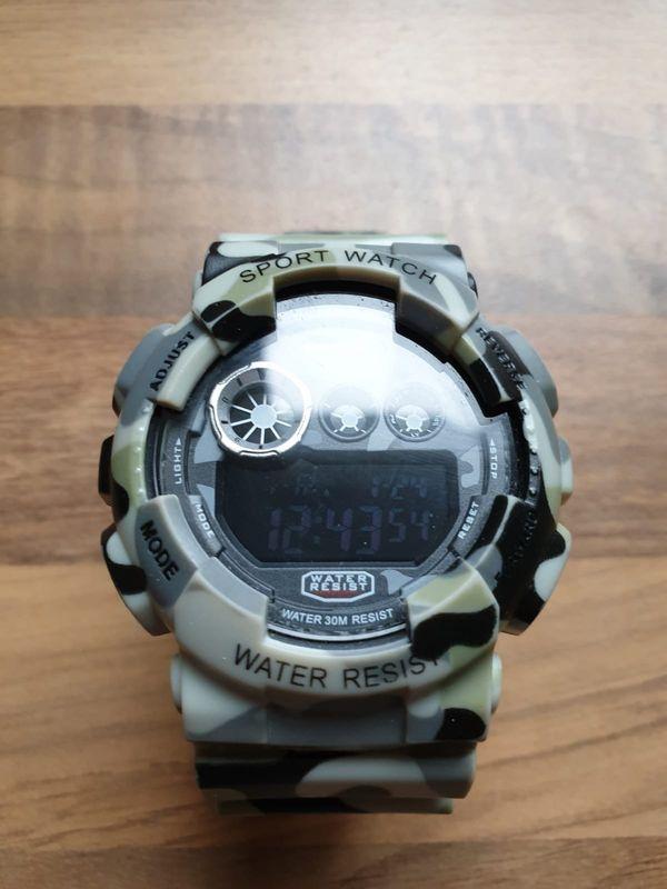 Camouflage Armbanduhr