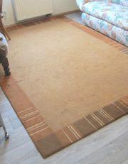 Teppich in Terrakottafarben