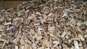 Brennholz Kaminholz Feuerholz Buche Holz