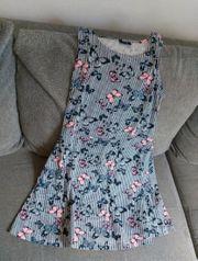 Kleid in der Größe 158