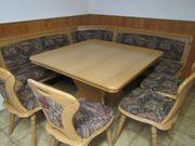 Hochwertige Eckbank mit Tisch und