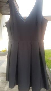 Schwarzes Kleid Ärmellos Größe 42