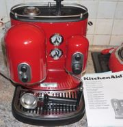 Kitchenaid Artisan Siebträgermaschiene in rot