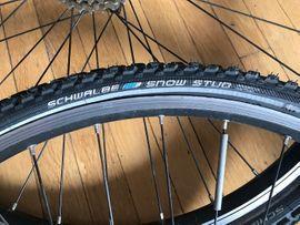 Fahrrad-Kompletträder 28 auf Schwalbe-Reifen mit: Kleinanzeigen aus München - Rubrik Fahrradzubehör, -teile