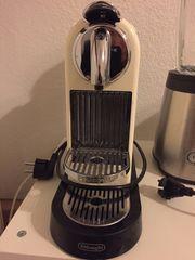 De Longhi Nespresso Kaffemaschine creme-weiß