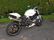Verkaufe Ducati Monster 1100S