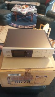 Accuphase Raumklang-Prozzessor DG28 P I