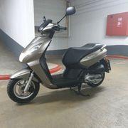 Peugeot Kisbee 125 100 Neuwertiger