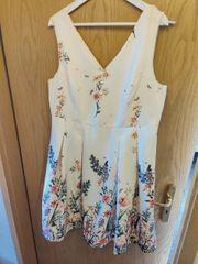 Wunderschönes Sommerkleid Ballkleid Gr 44
