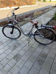 1x Herren- und 1x Damenrad