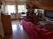 Schöne Zwei-Zimmer-DG-Wohnung in ruhiger Lage