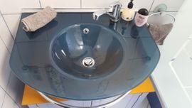 Glaswaschbecken in elegantem Blau incl: Kleinanzeigen aus Fürth Poppenreuth - Rubrik Bad, Einrichtung und Geräte