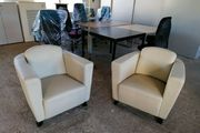 2 Lounge-Sessel aus Kunstleder in