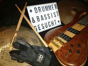 zuverlässiger Drummer Schlagzeuger und Bassist