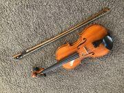 4 Geige mit Bogen sehr