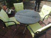 Tisch und 4 Stühle mit