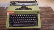 Schreibmaschine mit Koffer