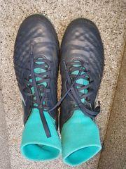Nike Fussballschuhe Gr 44