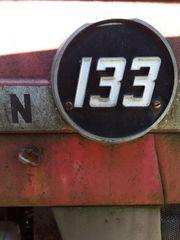 Traktor mf133