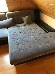 Verschenke Couch mit großer Liegefläche