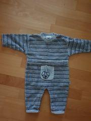 Baby Schlafanzug in Grösse 50