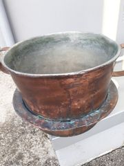 Sehr sehr alter Kupfertopf
