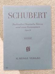 Sechzehn Deutsche Tänze und Zwei
