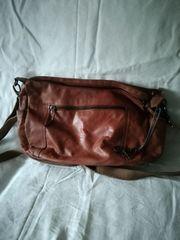 Umhängetasche Leder Taschendieb