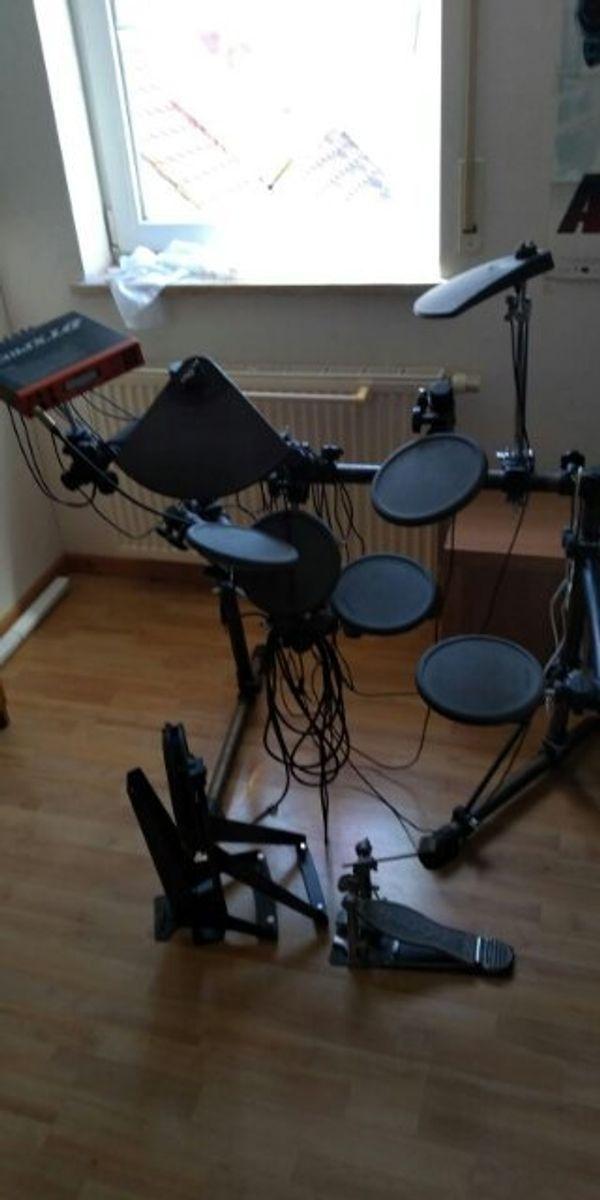 E Schlagzeug super in Takt