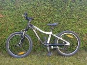 Kinder-MTB Specialized Hotrock