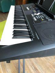 Yamaha Keyboard YPT-330