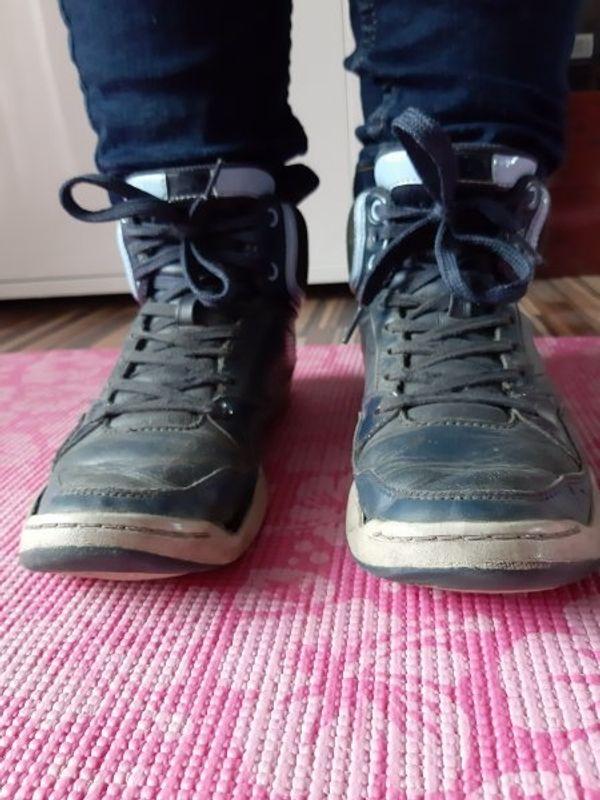 getragene Lacoste Sneaker Damen