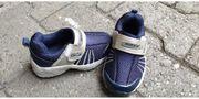 Nike Schuhe Größe 23