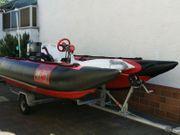 Schlauchboot Festboden mit Motor und