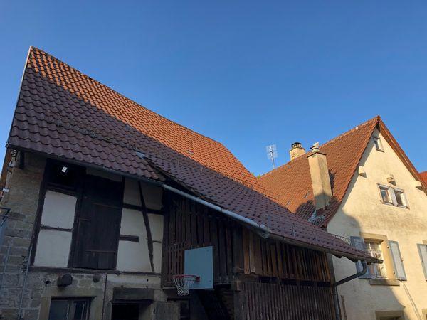 Sandsteine Eichenbalken Dachziegel Fenster Türen -