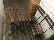 Tärnö und Stühle